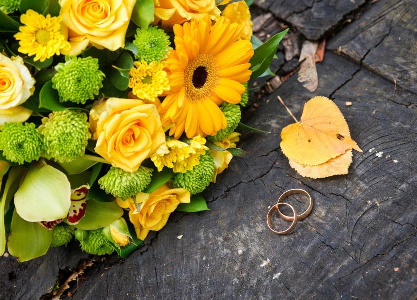 Яркий осенний свадебный букет