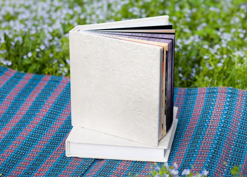 Комплект минибуков 18x18 в тканевой обложке с тисненым узором на растительную тему